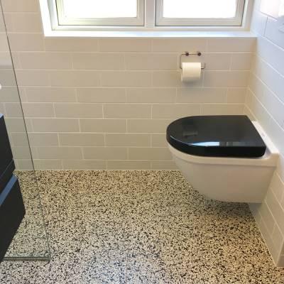 terrazzo fliser badeværelse